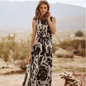 NEW ✨ St.John Pleated Floral Maxi Dress 14
